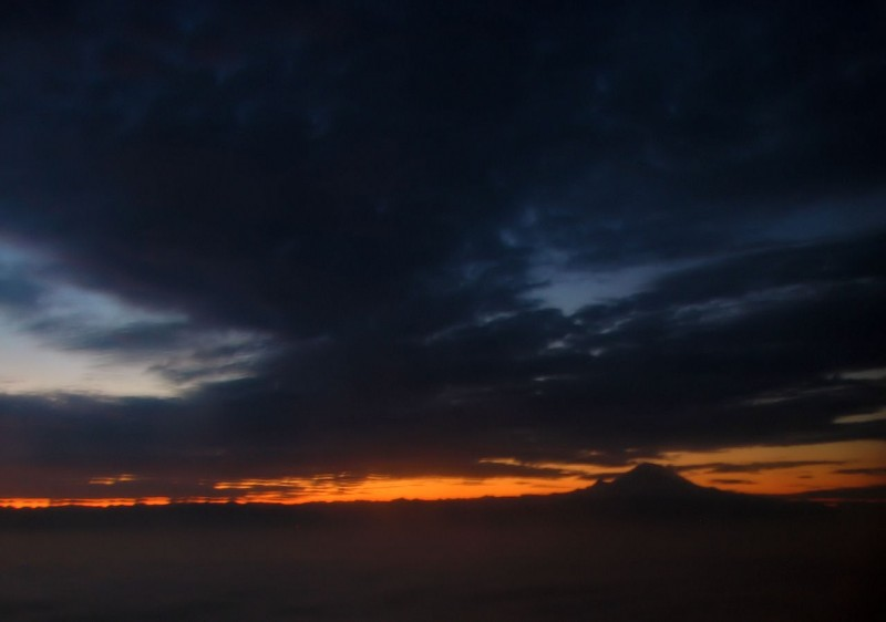 mount rainer morning view sunrise photo