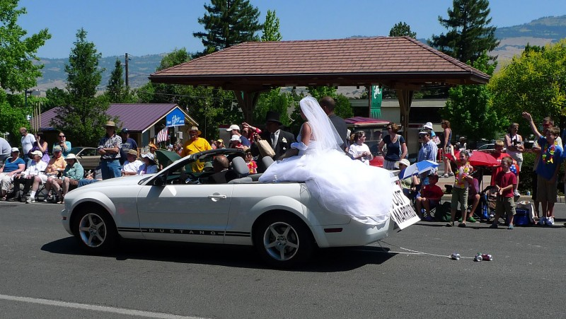 bride in convertable