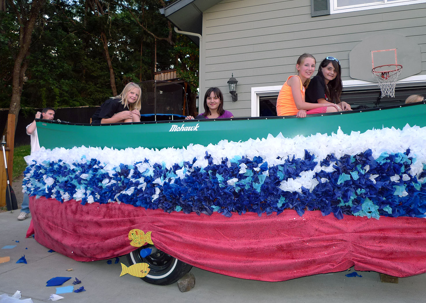 finished girl scout canoe float - Float Decorations