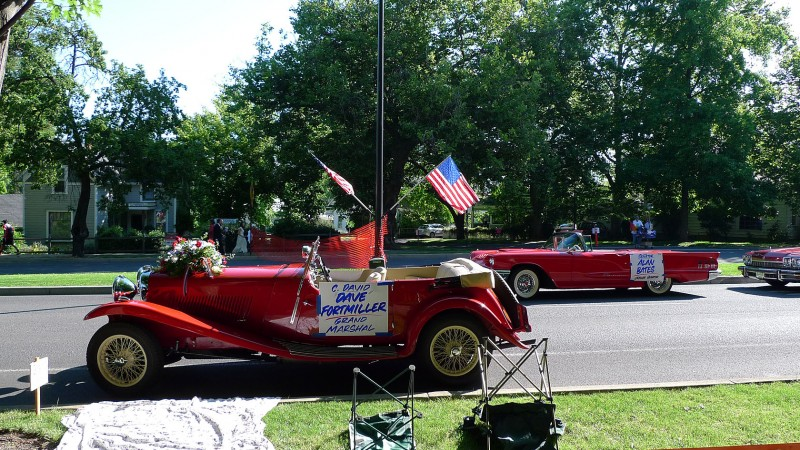 parade red cars ashland july