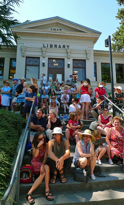 ashland library oregon steps parade