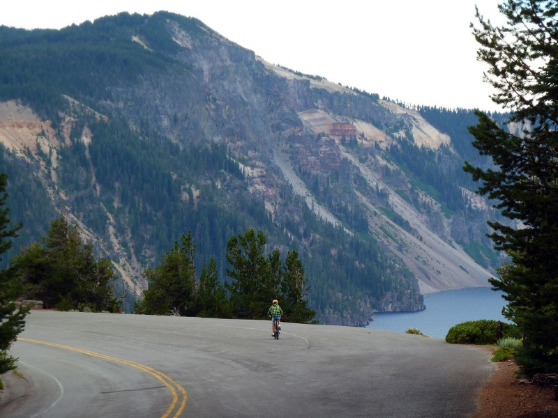 biking crater lake national park rim road