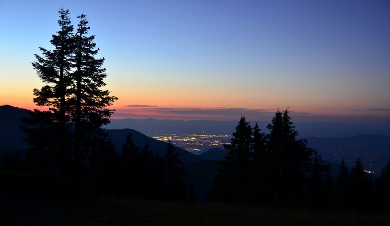 rogue valley dusk