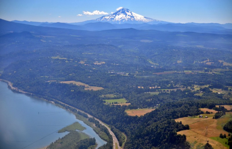 mount hood oregon from the air