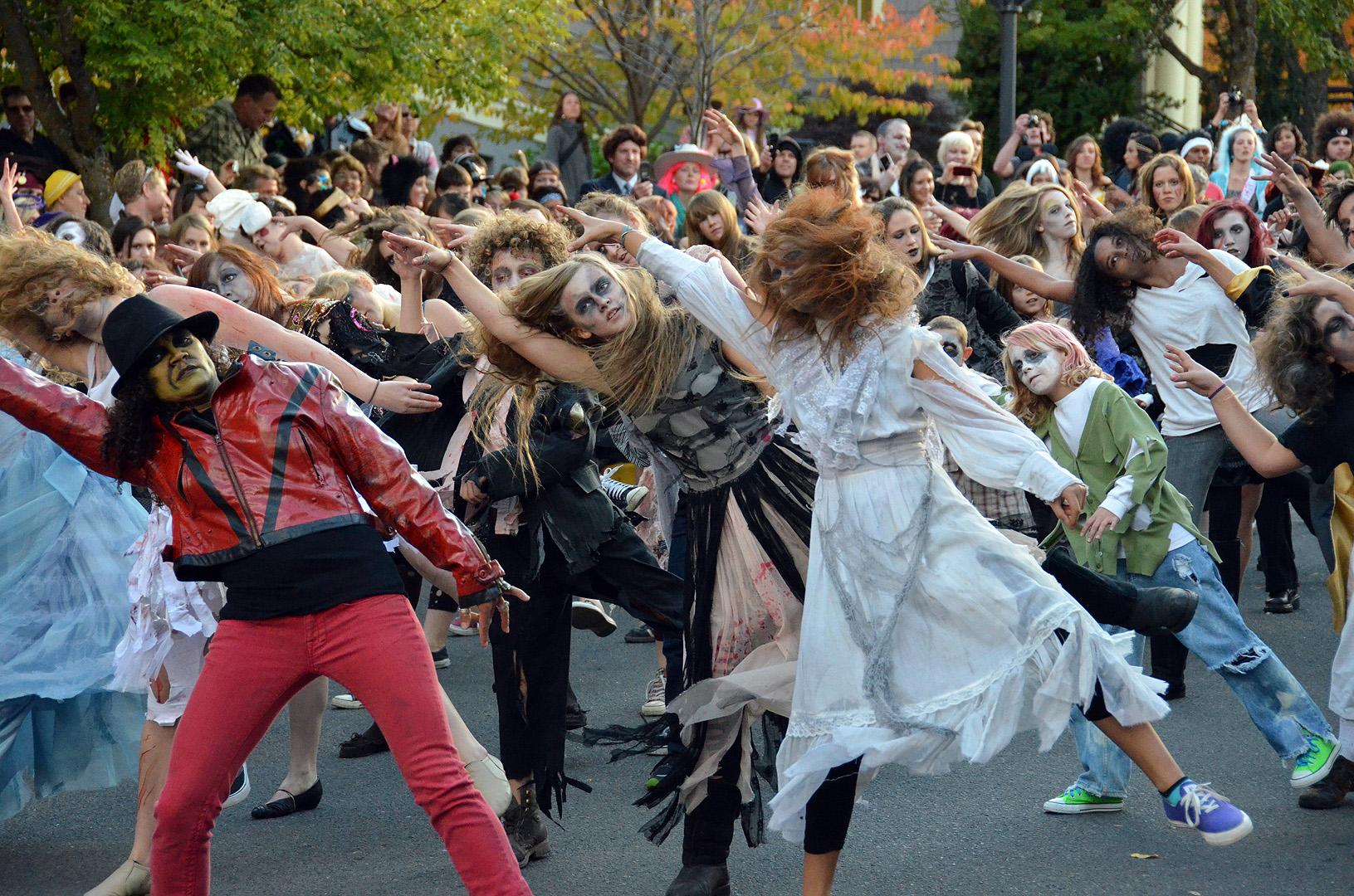 Thriller in the Ashland Halloween Parade « Ashland Daily Photo