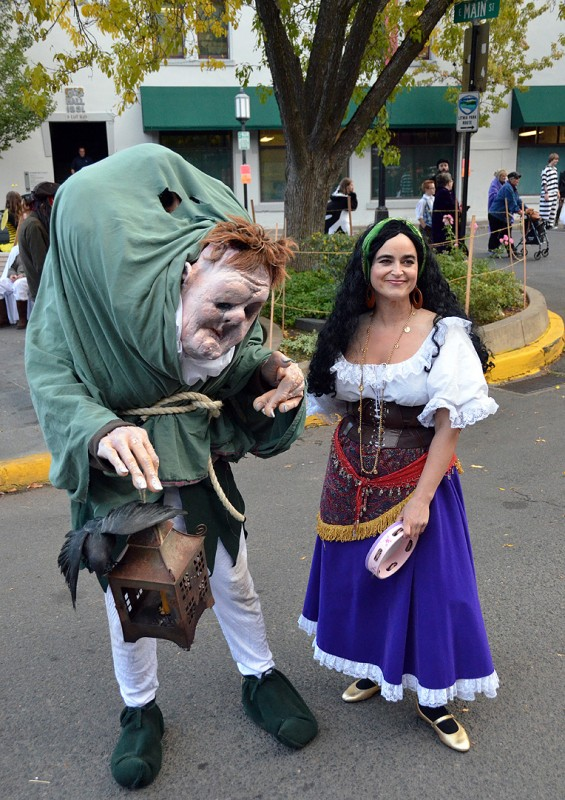 Quasimodo and esmeralda costumes