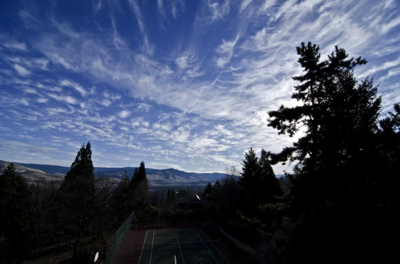 raw clouds over ashland oregon blue sky RAW vs. JPEG