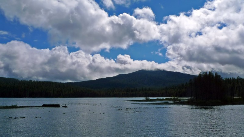 lake of the woods brown mountain clouds oregon