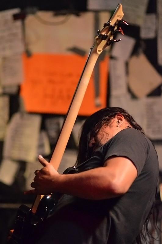 bass guitar musichead medford oregon the haunting presence muknal