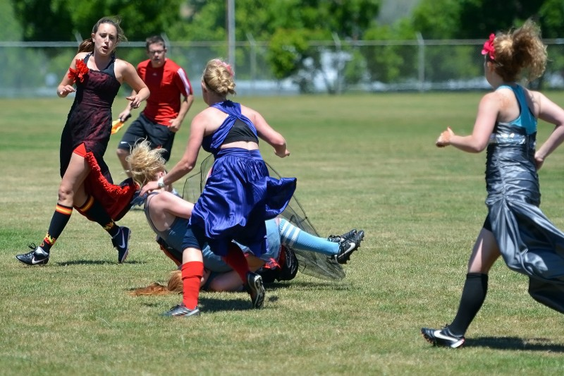 photo of girls playing rugby № 17752