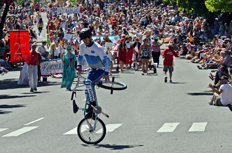 BMX trickster Dave Nourie ashland oregon 4th of july parade