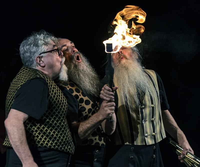 oregon shakespeare festival green show mud bay jugglers osf ashland oregon