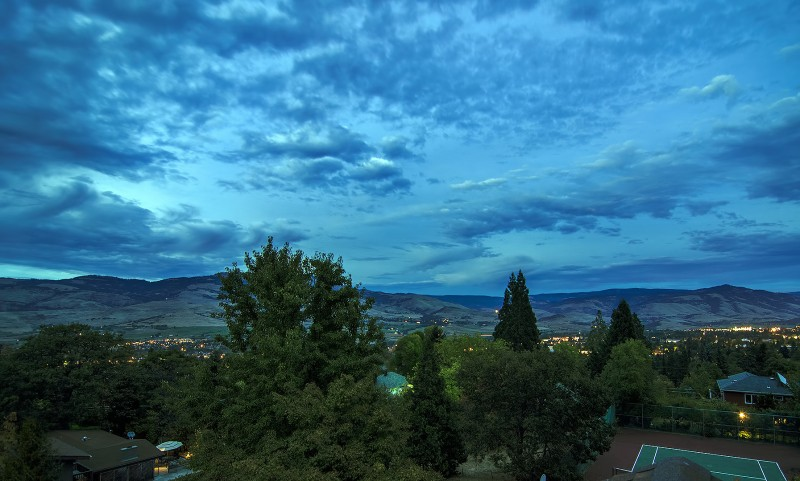 ashland oregon post-sunset tokina 11-16mm f/2.8 dusk photography nikon d7000