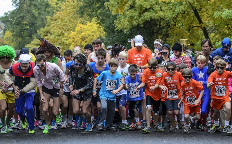 lithia park road race running ashland oregon monster dash halloween
