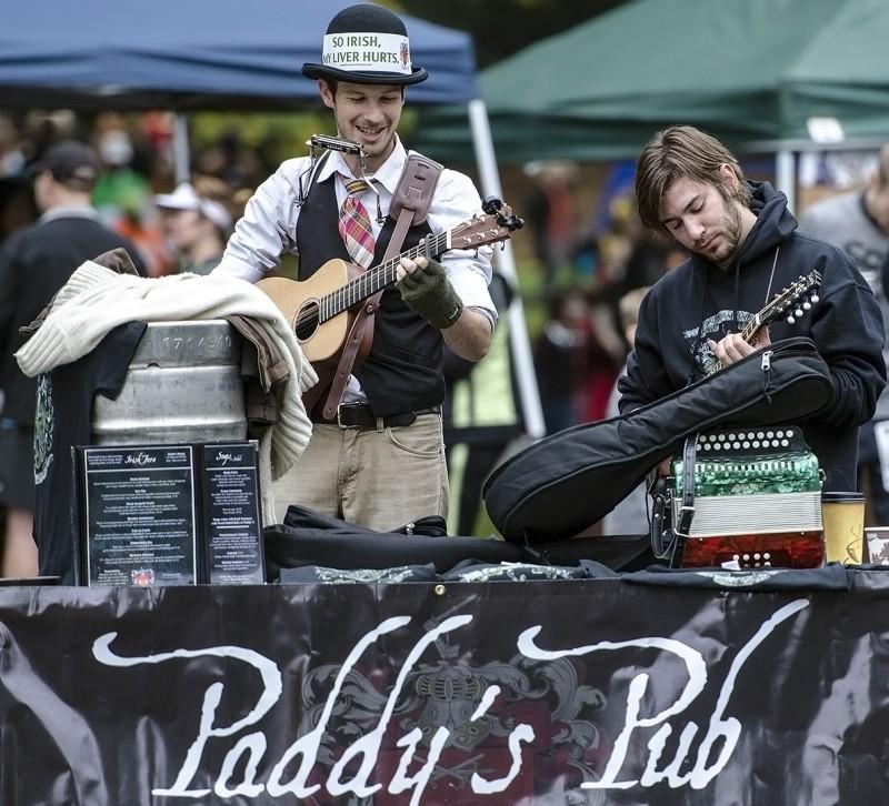 paddy's pub ashland oregon monster dash sponsor