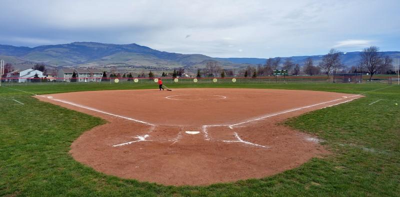 SOUthern oregon university softball field grizzly peak