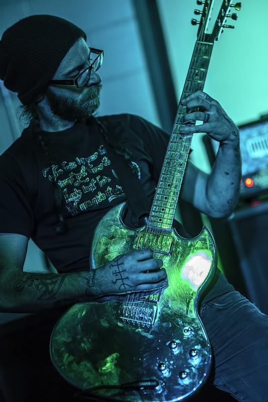 elijah stoneburner pdx ashland oregon club 66 custom gibson sg guitar chrome