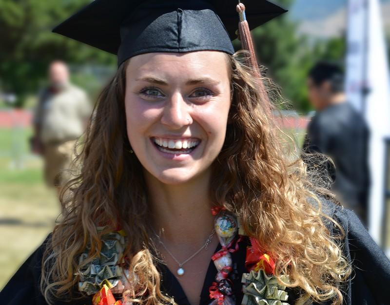 Natalie Scheller sou graduation commencement
