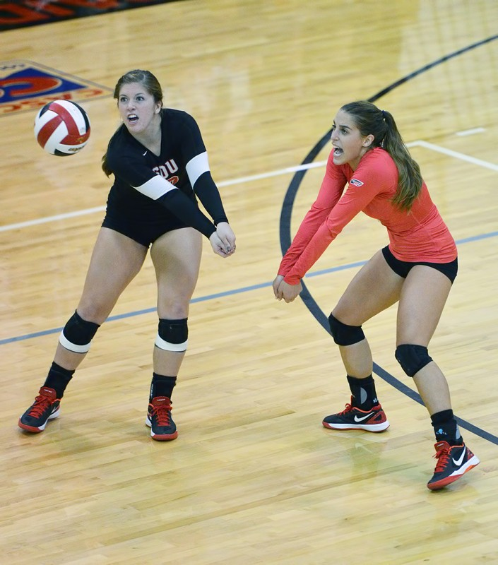 SOU Volleyball vs. Corban this past weekend Renee Yomtob & Brookelynn Cole