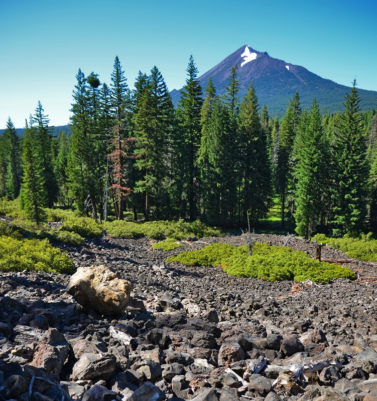 mt mclaughlin high lakes trail lava rock southern oregon