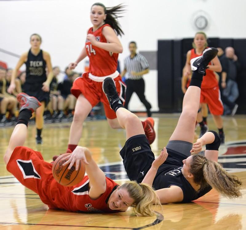 14J_4754 SOU Women's Basketball Allison Gida