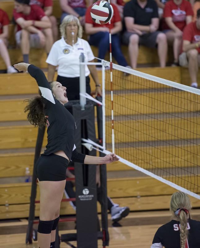 SOU volleyball Emma Gasman