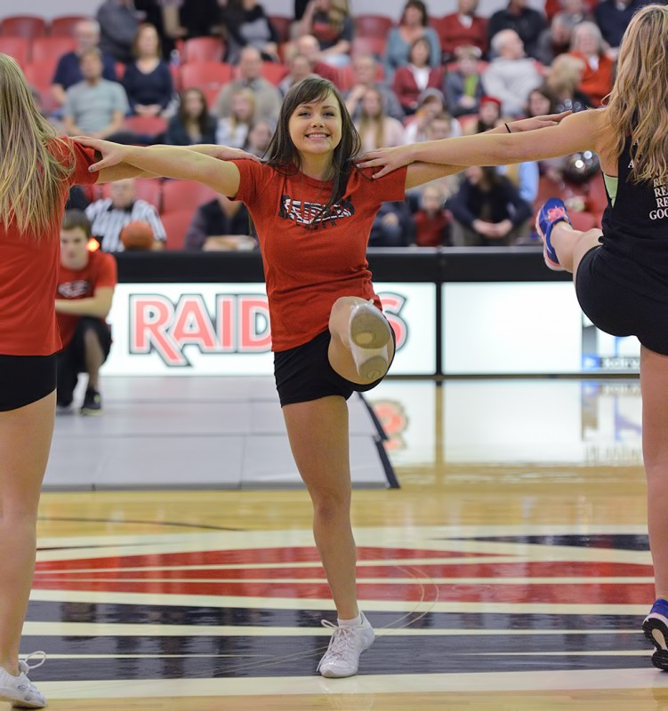 SOU cheer tasha roberts southern oregon university cheerleader dance team