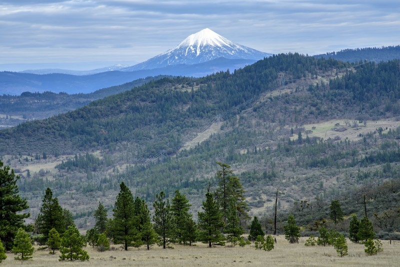 mount mcloughlin from roxy ann peak hike trail