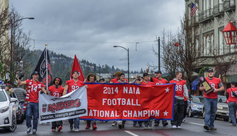 sou-football-ashland-parade