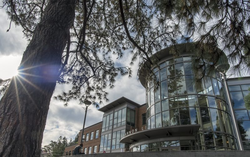 hannon-library-southern-oregon-university-campus