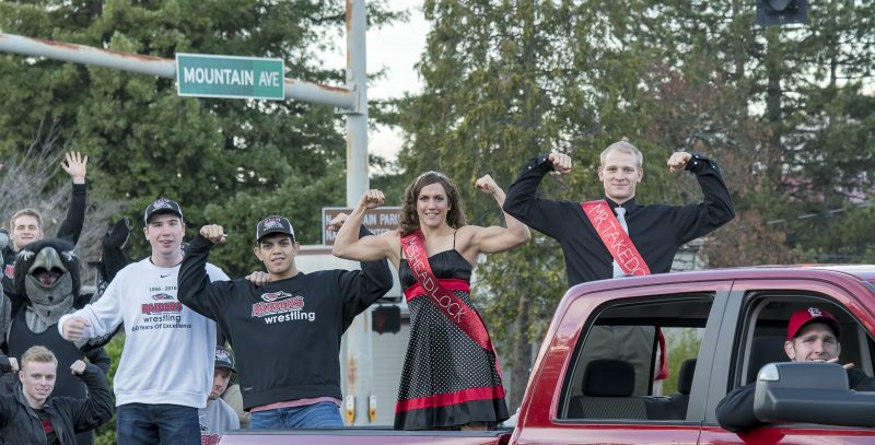 sou-homecoming-parade-wrestling