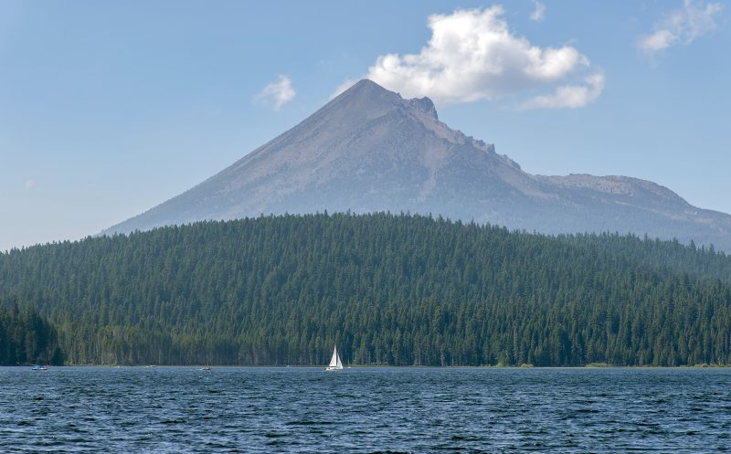 lake-of-the-woods-sailboat-mt-mclaughlin