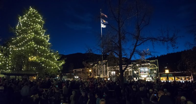 festival of light downtown ashland plaza