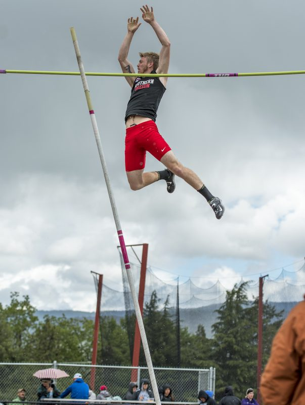 sou track and field thomas hoak