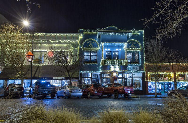 ashland oregon christmas holiday lights downtown plaza