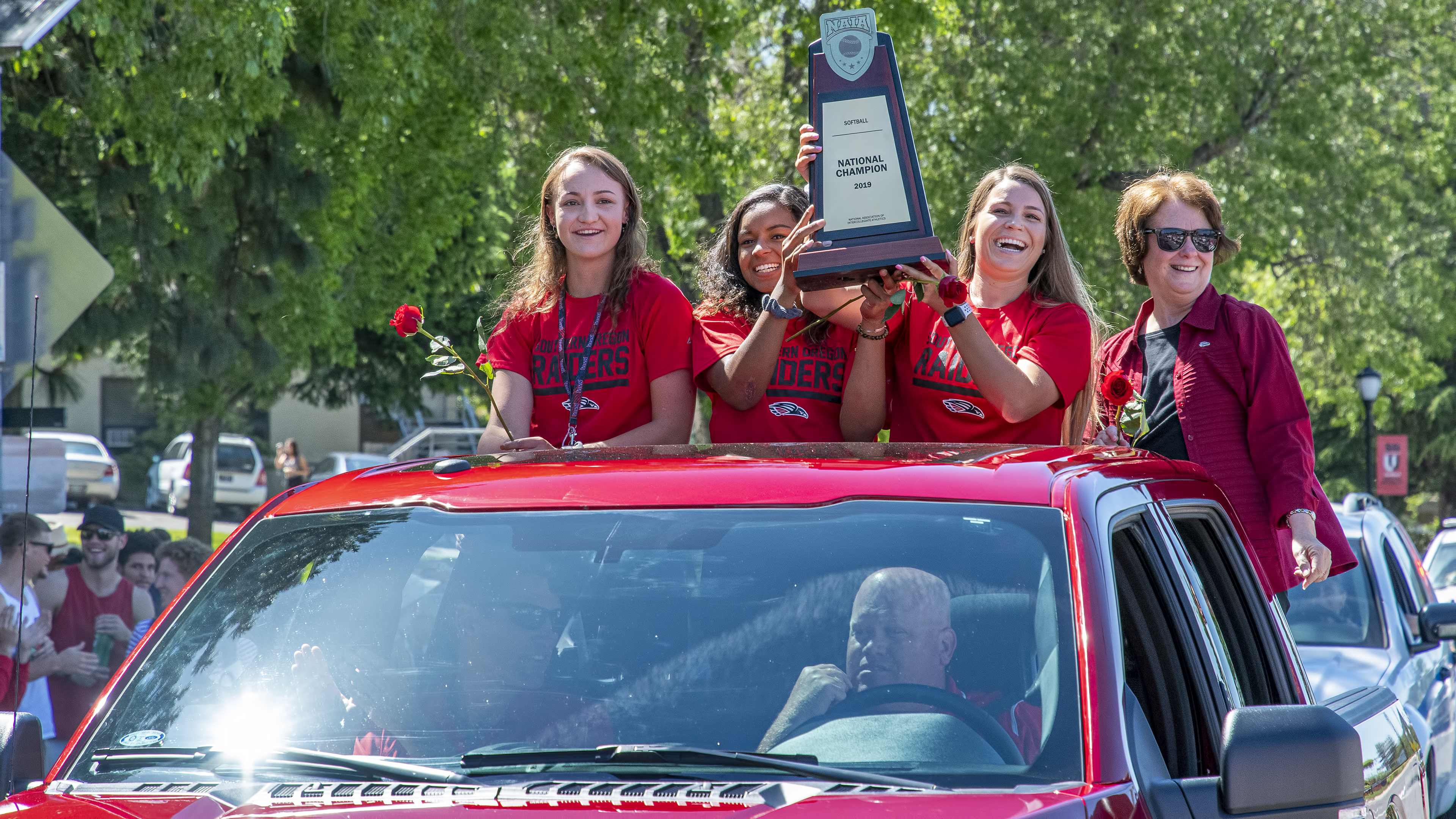 sou softball parade linda schott