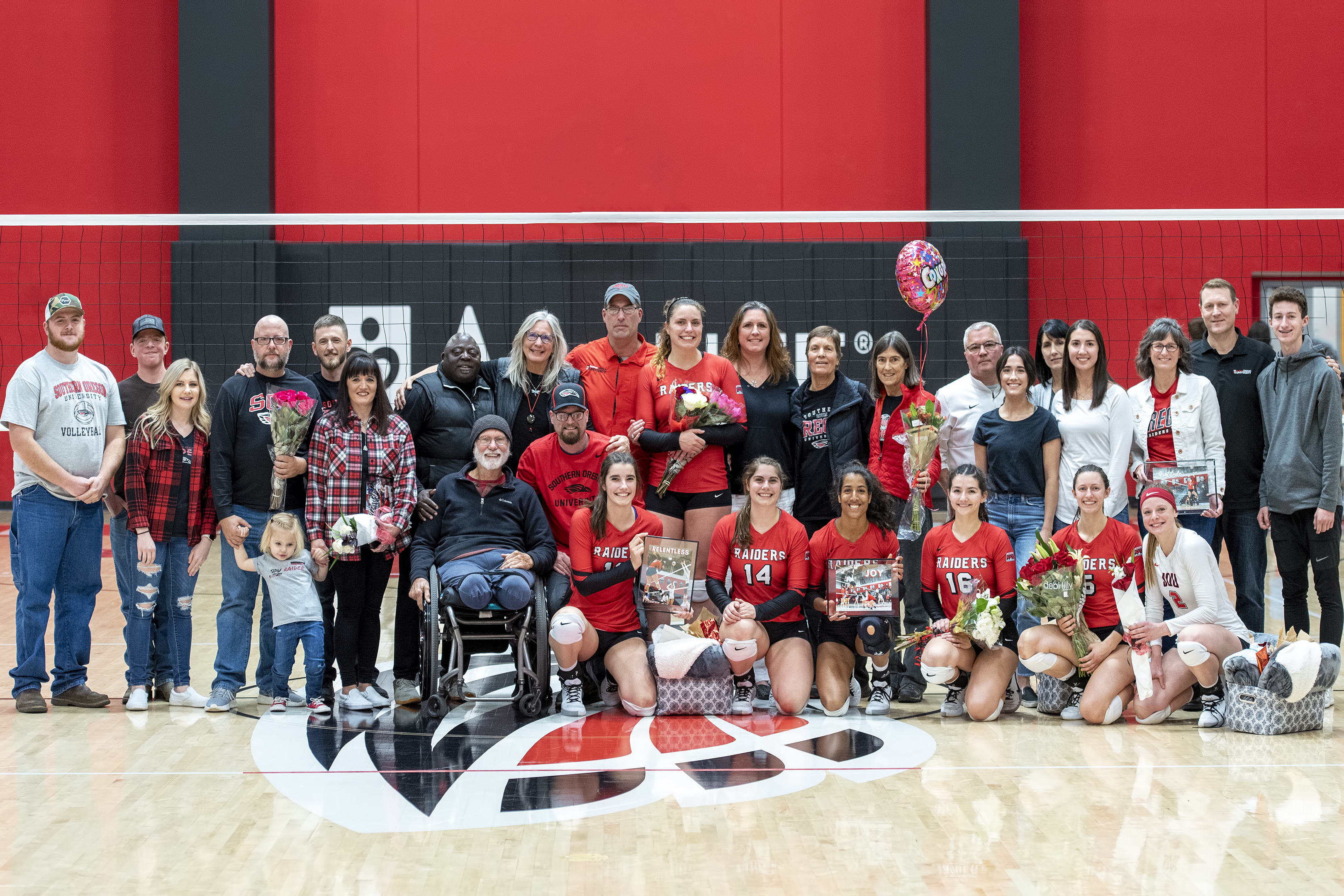 sou volleyball senior night