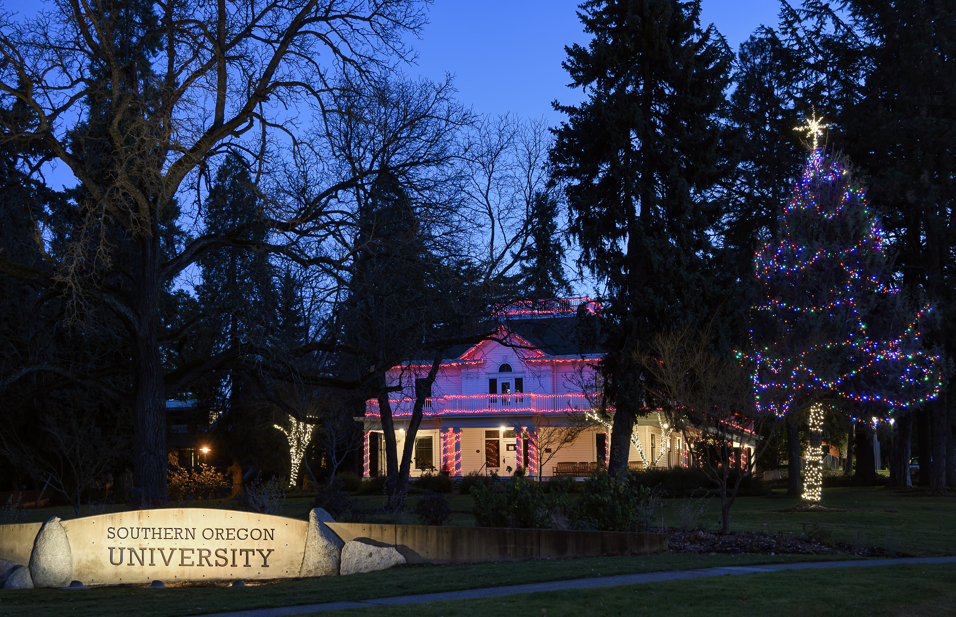 sou plunkett center holiday lights blue hour