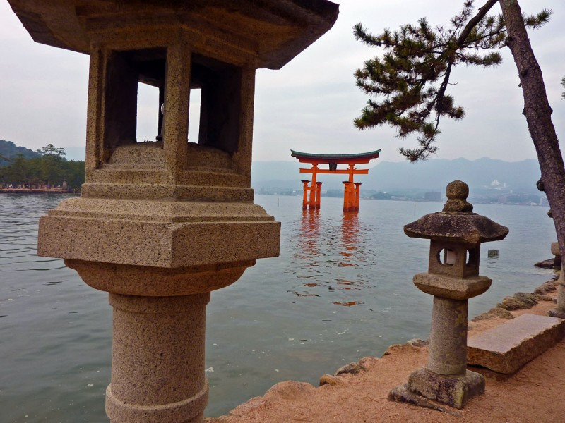 torii gate stone lanterns Itsukushima Shrine 厳島神社 Jinja miyajima japan