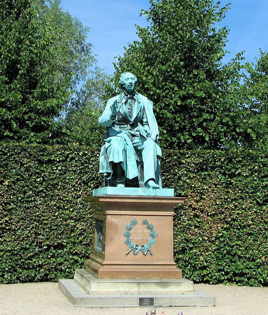Hans Christian Andersen statue at Rosenborg