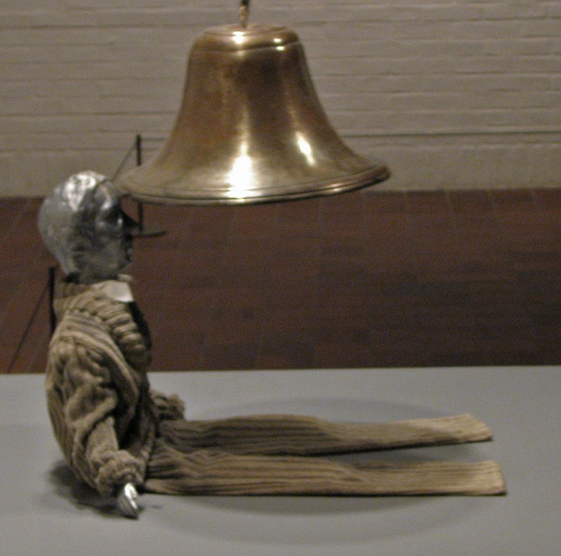 bell to the head in louisiana museum of modern art