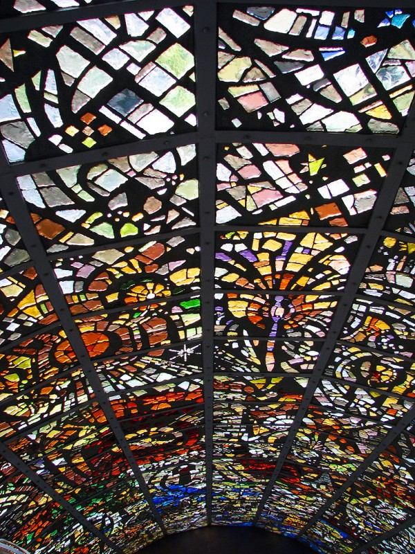 stain glass tower Symphonic Sculpture by Gabriel Loire hakone open air museum