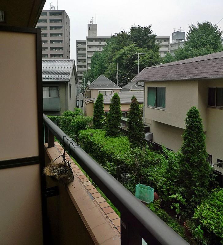 nishi waseda balcony