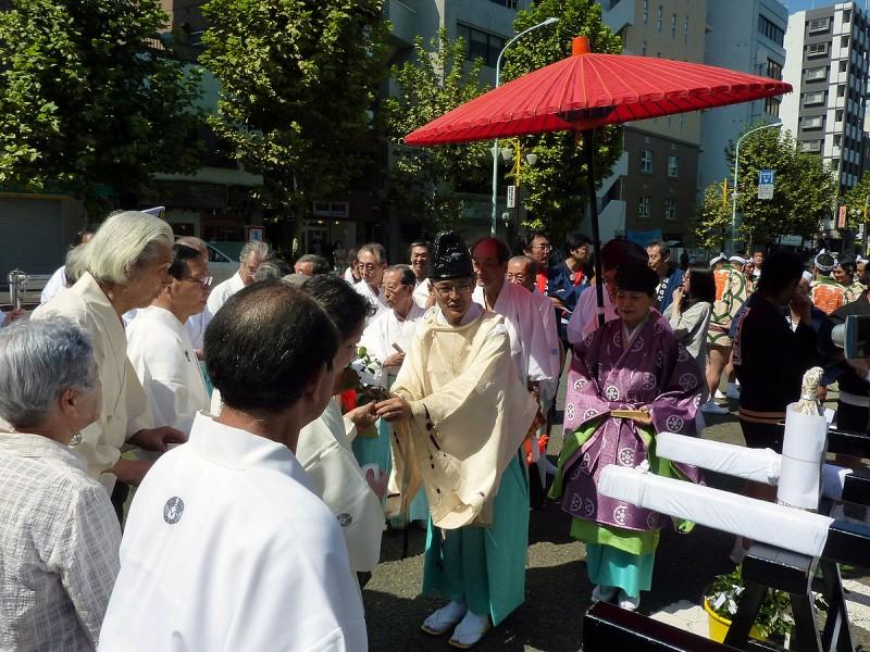 shinto ceremony during omikoshi