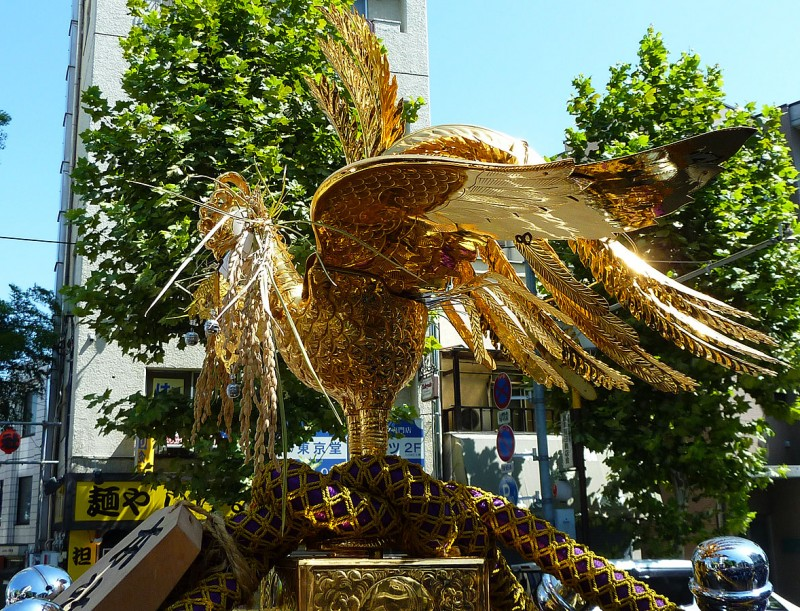 鳳輦 golden phoenix on top of omikoshi