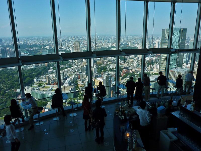 mori tower bar 52nd floor roppongi hills tokyo japan