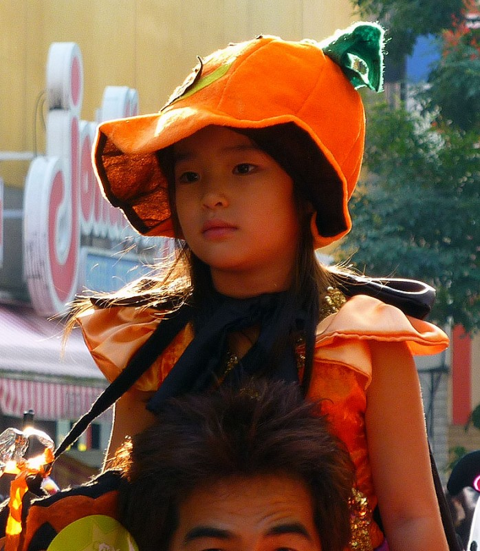 Japanese girl in pumpkin costume kawasaki halloween parade 2009