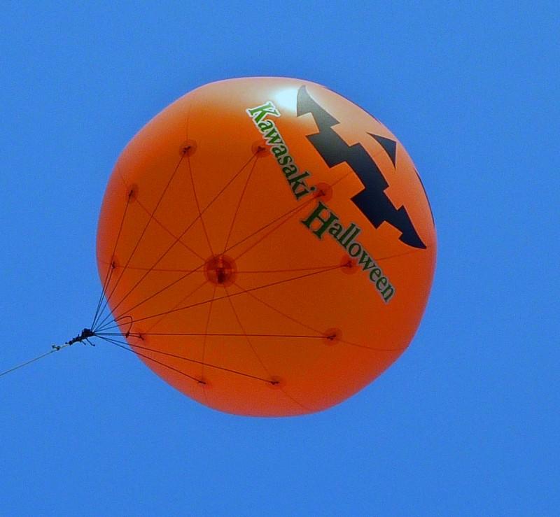 川崎 halloween parade ハロウィン パレード kawasaki japan 2009 balloon