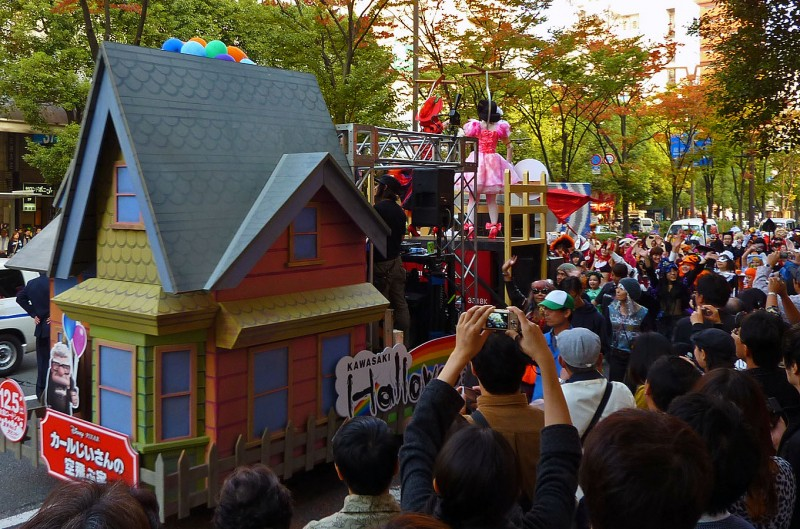up float parade pixar halloween japan