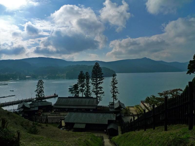 hakone checkpoint tokaido ashinoko lake ashi